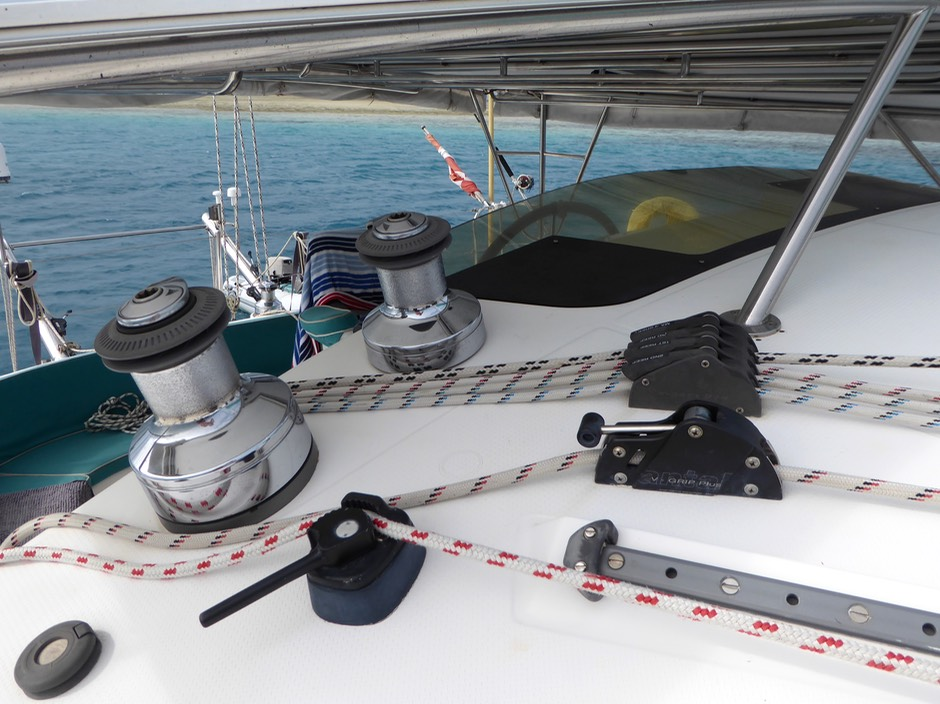MAINSAIL REEFING and STACKPACK | FOUNTAINE PAJOT BAHIA 46